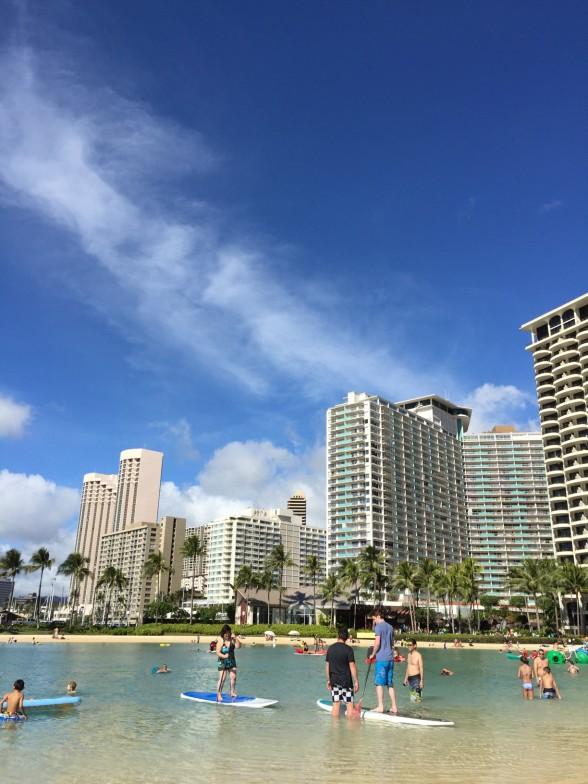 ハワイのビルと空