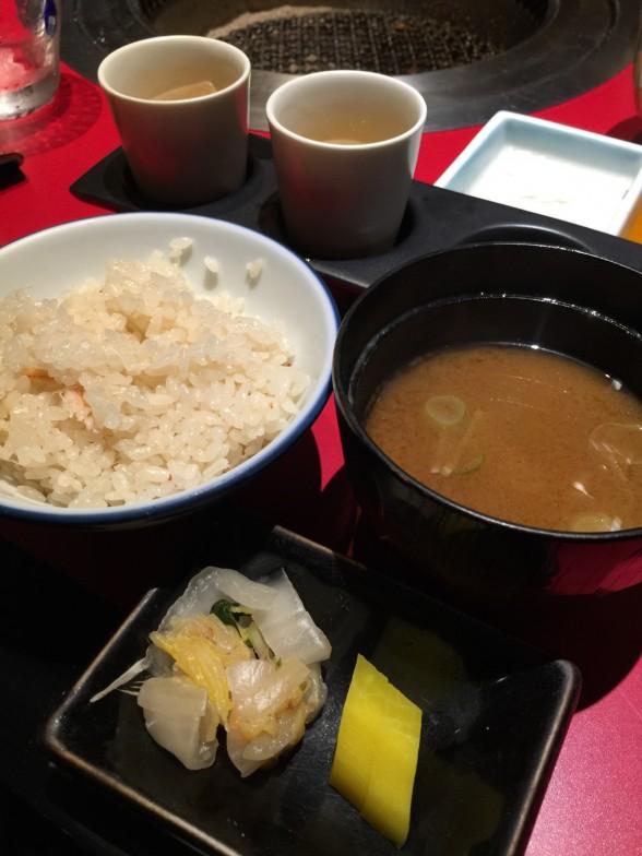 カニご飯・味噌汁
