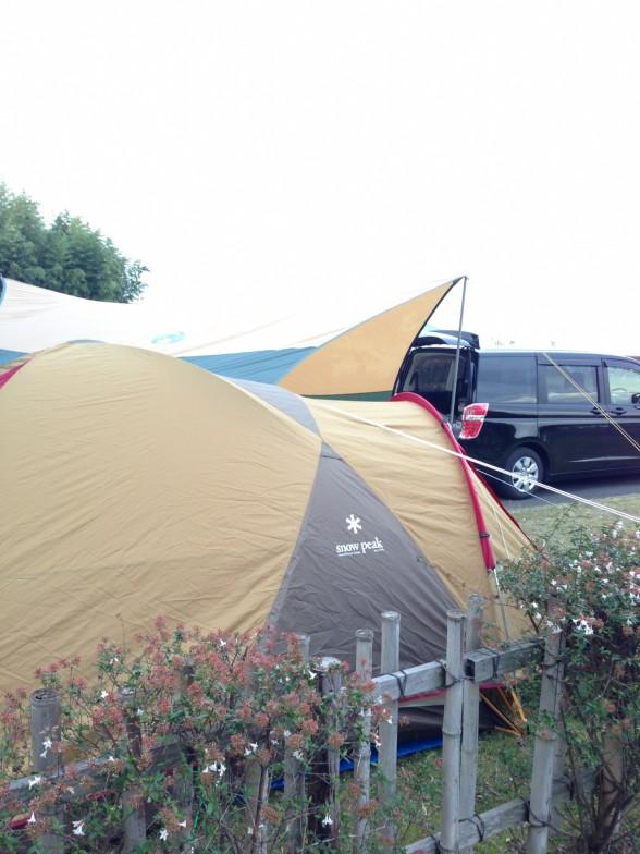 マイアミ浜オートキャンプ場 テント設営