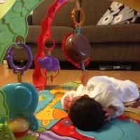 1歳までの赤ちゃんのおもちゃ【Musical Mirror Activiy Gym(ミュージカルミラーアクティビティジム)】フィッシャープライス